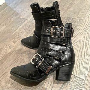 Black Croc Print Embossed Pleather Ankle Boots